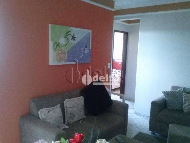 Apartamento com 2 dormitórios à venda, 73 m² por R$ 190.000,00 - Aparecida - Uberlândia/MG