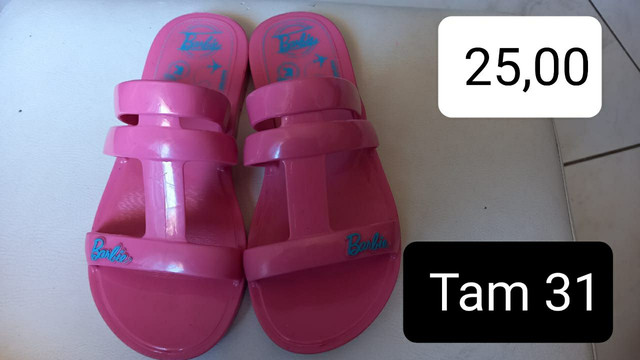 Sandalinha Barbie 31 Bem conservada baratinha pra sair logo
