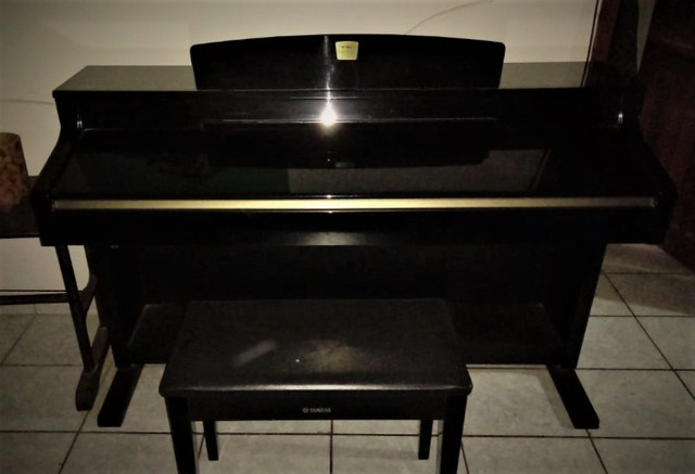 piano yamaha clavinova cpl330 eletrônico - Foto 6