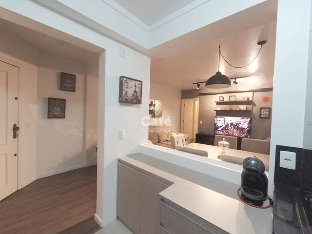 Apartamento, 2 Dormitórios, 1 Suíte, 3 Banheiros, 1 Vaga, Sacada, Semimobiliado, Centro - Foto 3