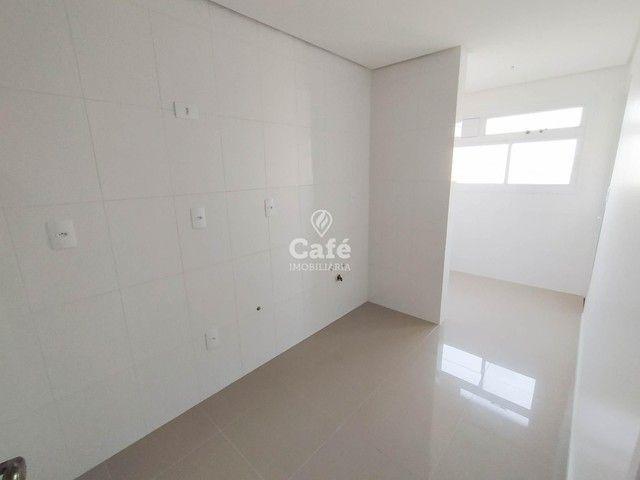 Apartamento Novo com 2 dormitórios, sacada com churrasqueira e Garagem. - Foto 2