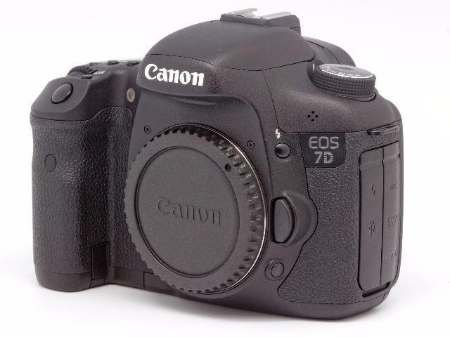 Câmera Canon EOS 7D Somente Corpo + Grip + 3 cartões CF