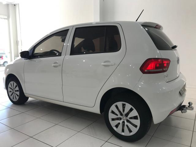 VOLKSWAGEN FOX 2014/2015 1.0 MI TRENDLINE 8V FLEX 4P MANUAL - Foto 3