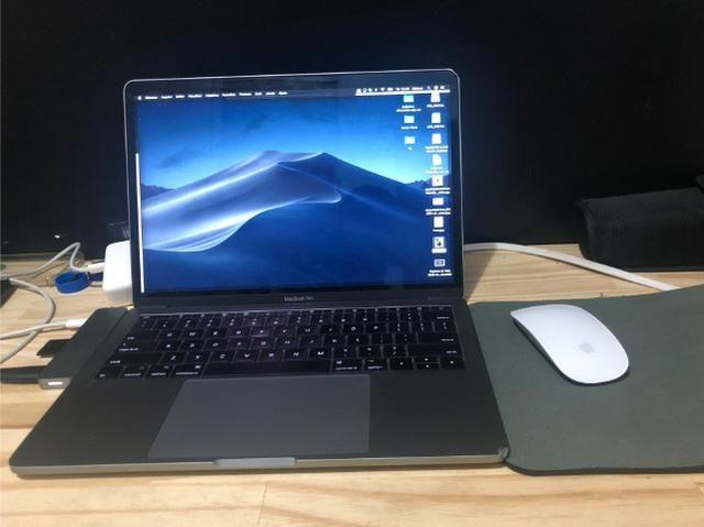 MacBook Pro 2017 com caixa