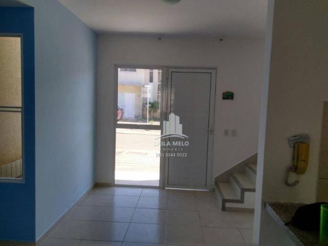 Linda casa duplex em condomínio fechado - Foto 5
