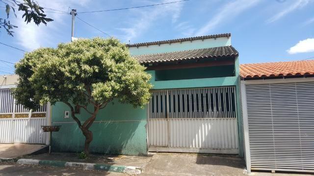 Excelente Casa 3 Qtos, Suite, Pé direito Alto, B. Residencial Oeste - Aceito Troca