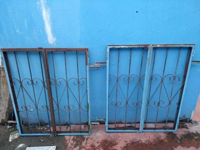 2 janelas de 1m x 80cm por R$ 100