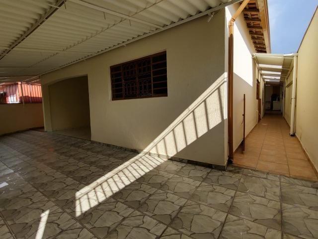 Excelente casa 3 dormitórios - Foto 18