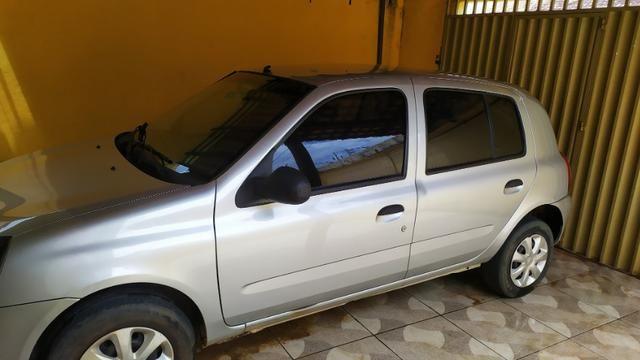 Vendo Renault Clio 1.0 flex 4 portas em perfeito estado, segundo dono! - Foto 3