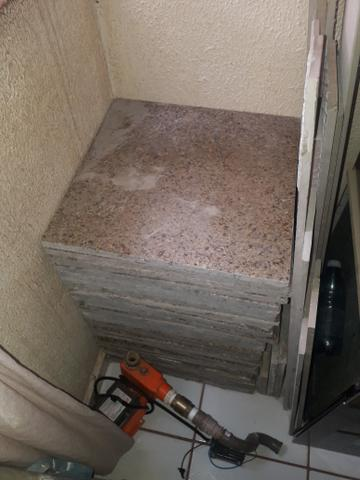 Vendo pedras de granito 50x50 - Foto 3