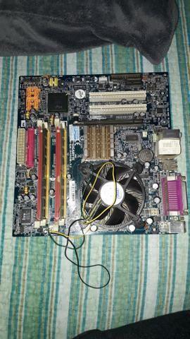Kit placa mãe+ processador e memória RAM