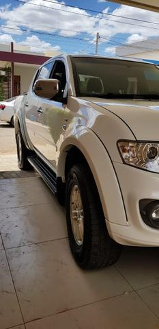 L200 Triton 2014 Hpe 3.2 cd diesel 4x4 manual - Foto 2