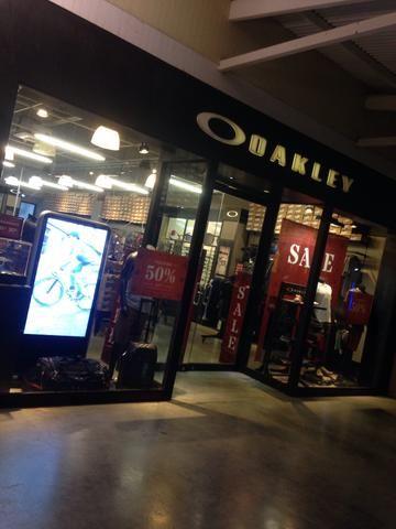 Oakley Fortaleza - Roupas e calçados - Nova Metrópole, Caucaia ... 689124ee16