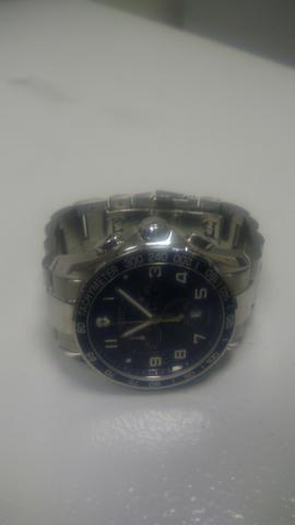 97a986b063e Vendo lindo relógio Suiço Victorinox - Bijouterias