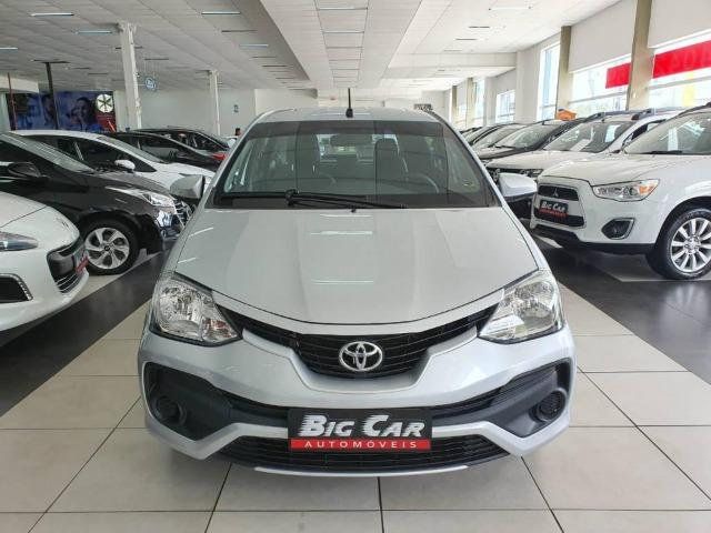 Toyota Etios XS 1.5 Flex 16V 5p Aut. Prata - Foto 4