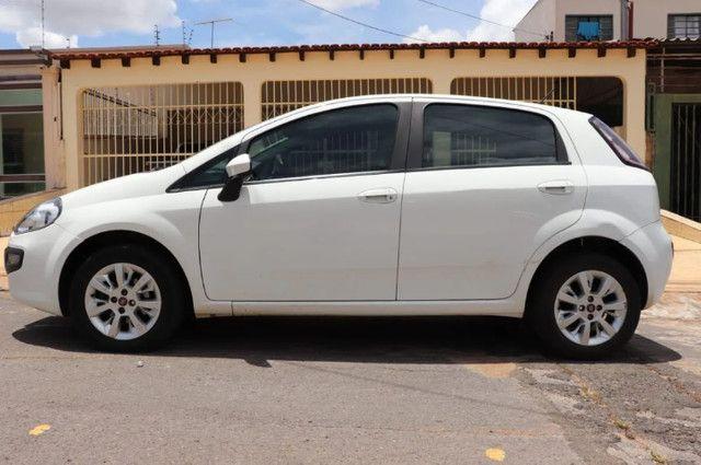 Fiat Punto Atractive 1.4 Flex 2013