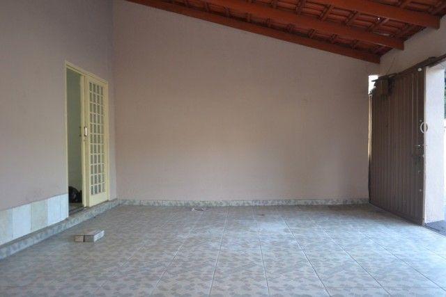 Casa confortável, 2 quartos, 1 suíte, outra residência no lote. Vl. Nova Canaã, Goiânia-GO - Foto 5