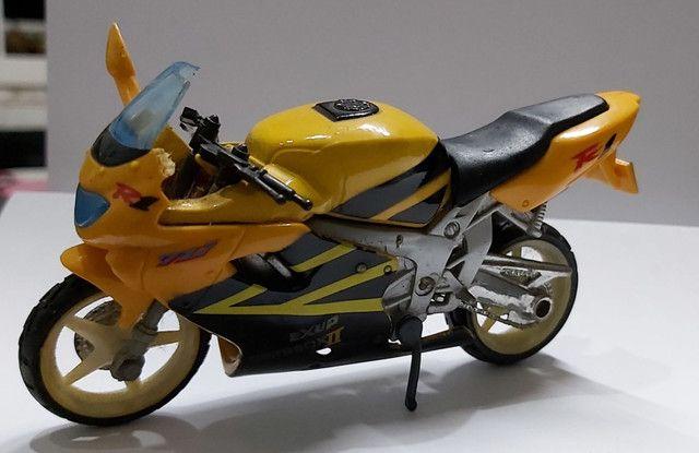 Miniatura Moto Yamaha R1  Escala 1:18 - Foto 6