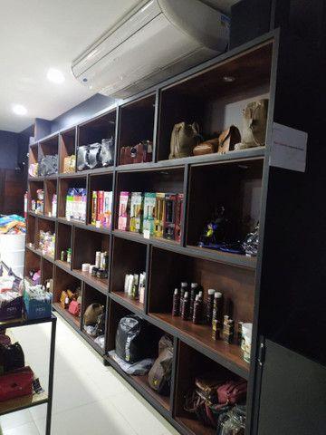Loja vestuario e assessórios e cosméticos