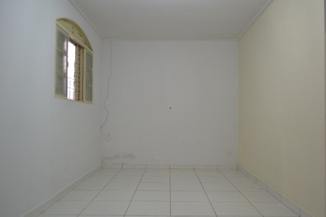 Casa confortável, 2 quartos, 1 suíte, outra residência no lote. Vl. Nova Canaã, Goiânia-GO - Foto 16