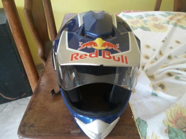 Vendo capacete Red Bull exclusivo