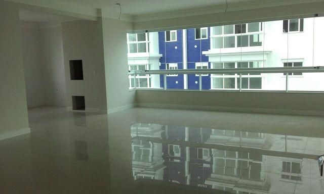 Excelente Apartamento no Centro Novo 3 Suítes 02 Vagas de garagem Parcela direto