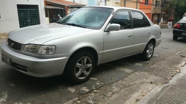 Corolla 1.8 automático 106.000 km ano 2000