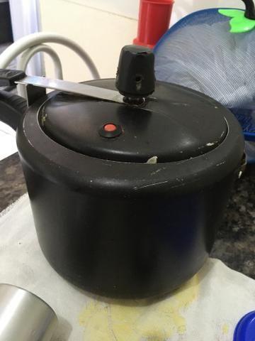 Panela de pressão de 4,5 litros