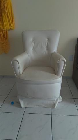 Cadeira de amamentação em bom estado - Foto 2