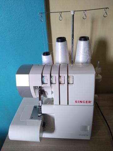 Máquina de costura ultralock