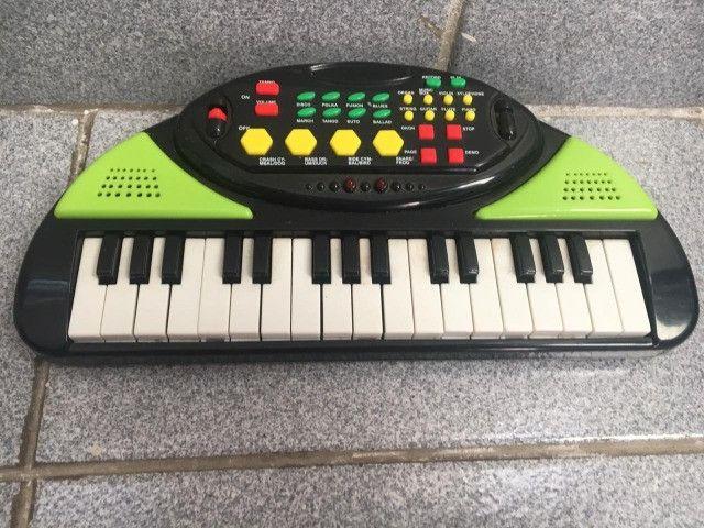 Brinquedo Pianinho Eletrônico Varias Funções