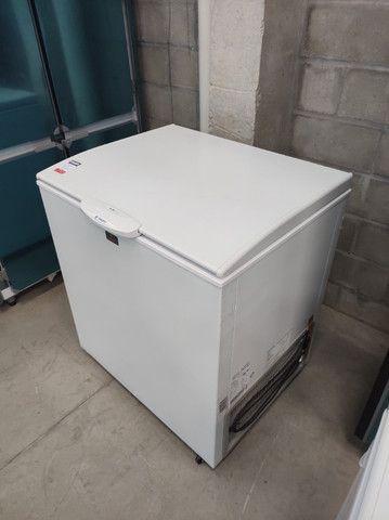 GHDE220 Freezer Horizontal Tampa Sólida Dupla ação Degelo Manual 220 Litros - Gelopar