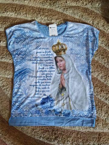 Vendo roupas com estampas religiosas - Foto 3