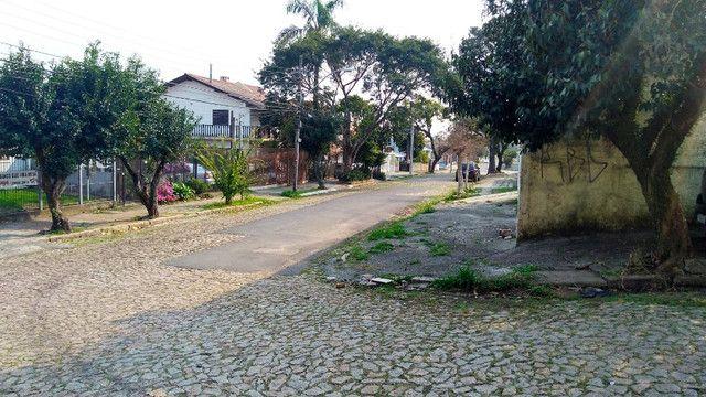Duas Casas 4 dormitórios frente 2 Ruas estac 8 carros Junto Planalto - Foto 19