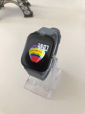 Smartwatch Colmi P8 Pulseira de Silicone Cinza Compatível com IPhone e iOS - Foto 2