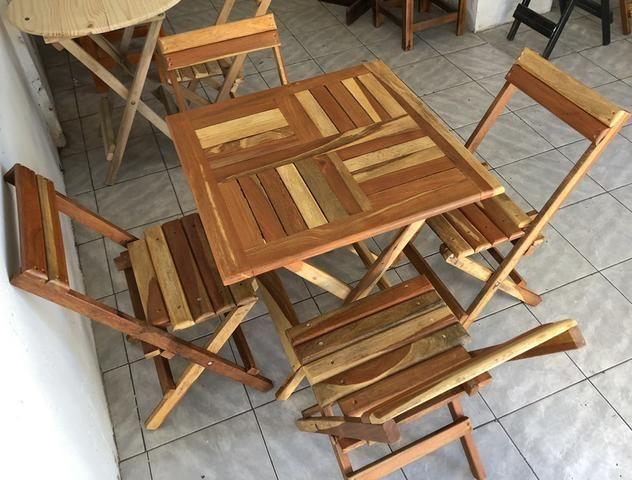 Conjunto de mesa dobráveis em Madeira IPÊ