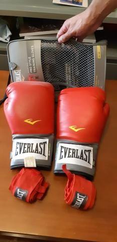 c1904c554 Kit luvas de boxe + bandagens everlast - Esportes e ginástica - Vila ...