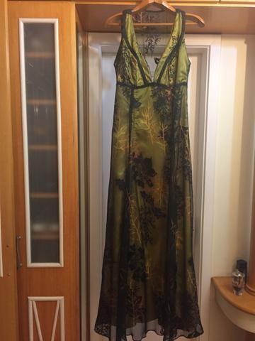 Vestido social lindo tam 40 com lindo decote - Foto 2