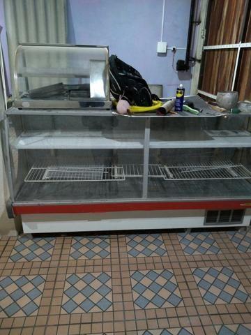Balcão refrigerador e balcão caixa