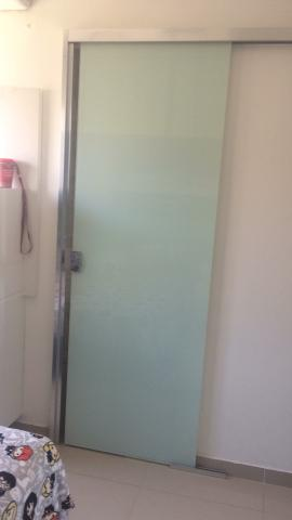 Porta de correr de vidro pintado de branco - Foto 2