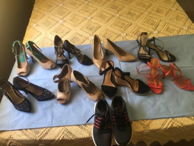 Lote de sandálias número 34