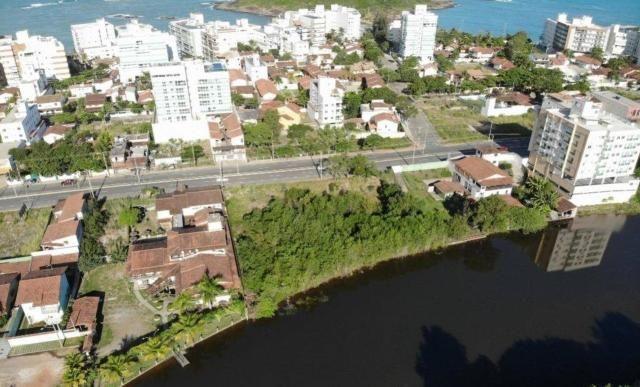 Terreno de 652,50m², de frente para Av: Meaipe e Fundos para a Lagoa, próximo da Praia de  - Foto 3