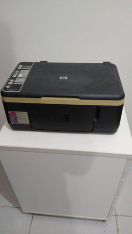 Impressora HP Deskjet F4180 (com defeito, é para retirada de pecas ou conserto)