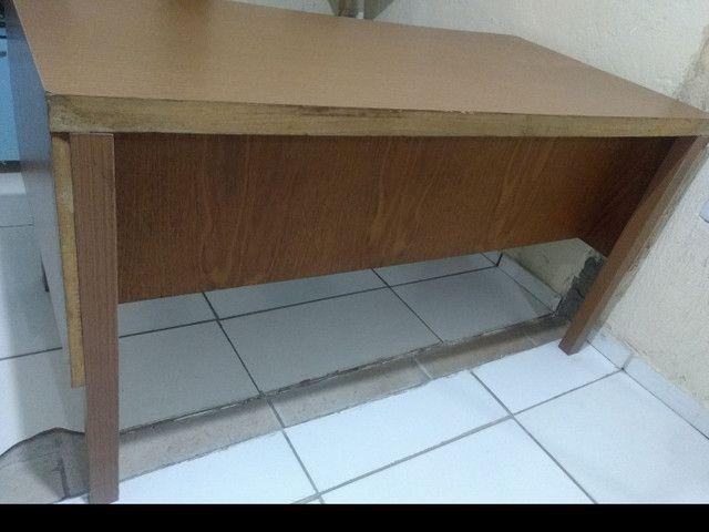 Mesa  para escritório com gavetas - Foto 2