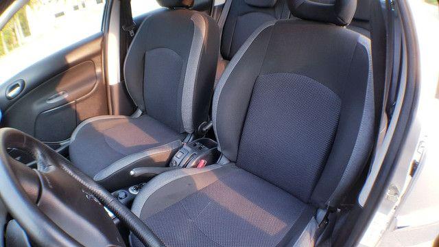 Peugeot 207 1.6 automático 2013 - Foto 4