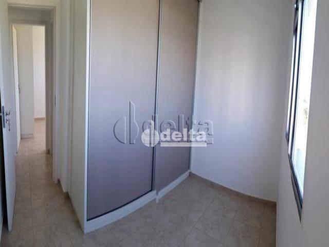Apartamento com 3 dormitórios à venda, 60 m² por R$ 180.000,00 - Shopping Park - Uberlândi