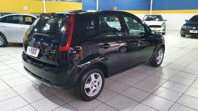 Ford Fiesta hatch 1.6 - Foto 6