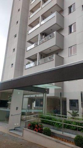 Lindo apartamento no edifício Geneve - Área central