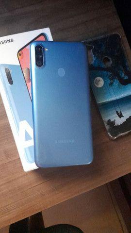 Samsung A11 semi novo  - Foto 2