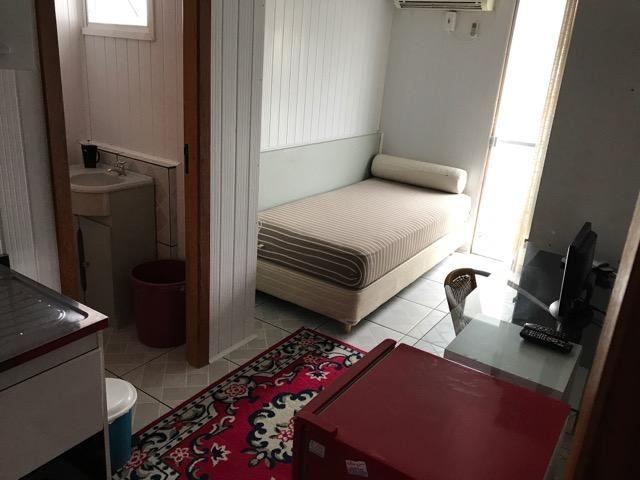 QUITINETES mobiliadas, com internet, Nettv, camareira e lavanderia cortesia p/hospede - Foto 4